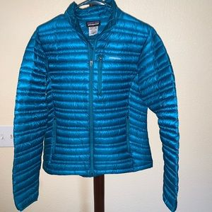 Patagonia packable down puffer jacket